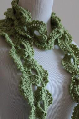 Queen Anne's Lace Sage Green Seashell Scarf