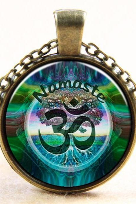 *Free Shipping* Newest Style Casual Yoga OM Pendant Necklace Fashion Round Ethnic Silver Plated Colorful Murano Slass Jewelry