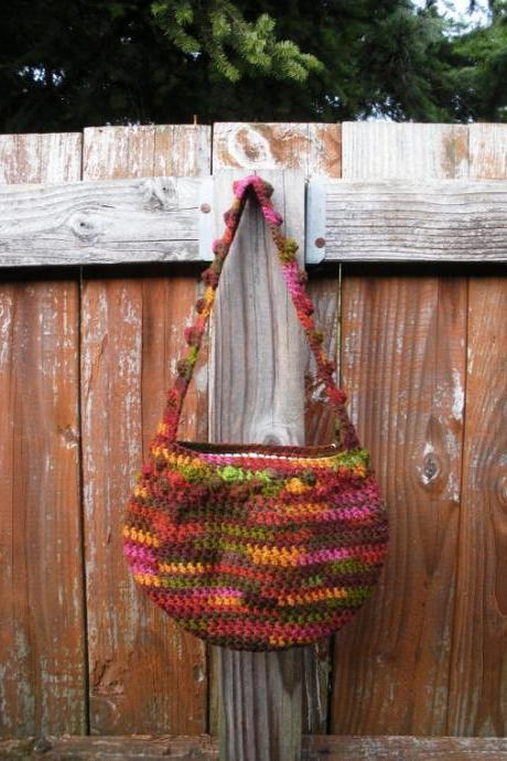 small crochet shoulder purse