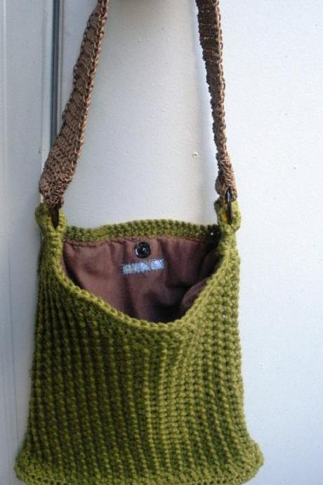 Evergreen olive cotton crochet purse with flannel lining, ready to ship.