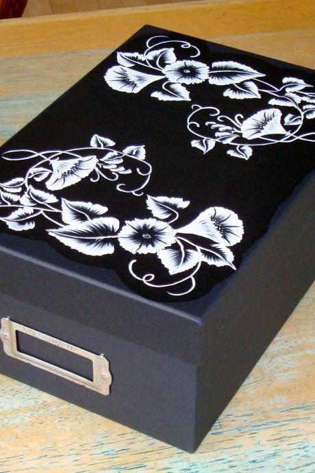 Black and White Memory/ Keepsake/ Photo/ Recipe Box