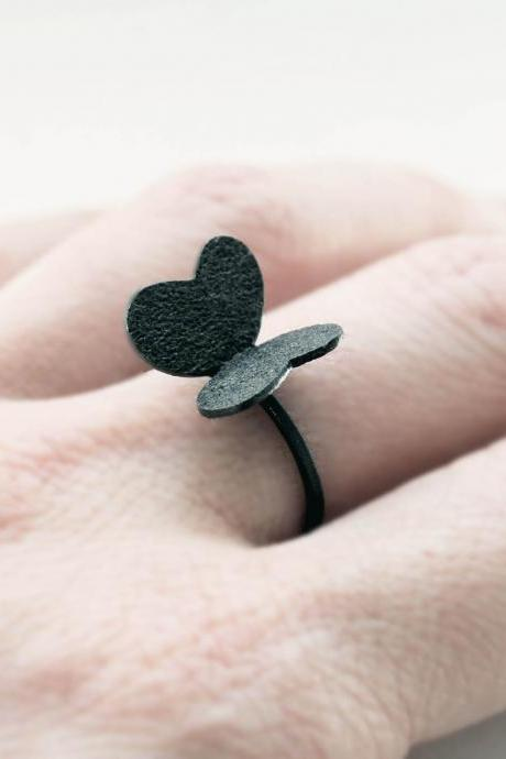 Cute Oxidized - Texturized Sterling Silver Ring. Roll Printed Texture. Black. VARIACIONES Ring. Handmade by Maria Goti Joyas.