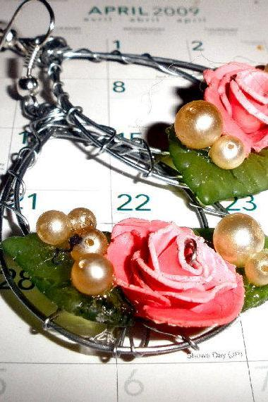 Rose earrings with vintage pearls on silver plated earwires