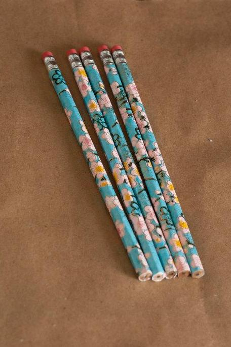 flowers pencil set