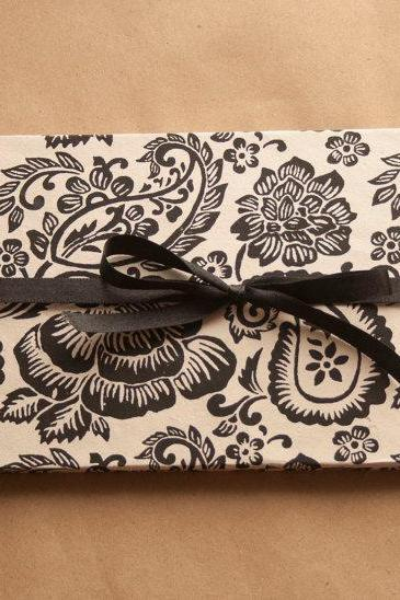Black and White Paisley accordion book