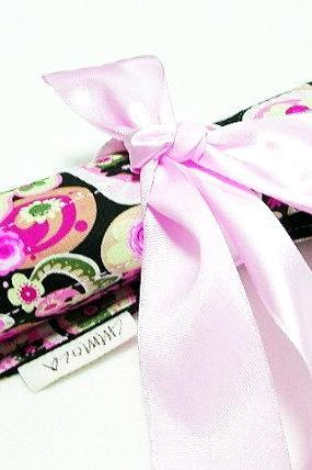 Art Organizer - Pink Colorful Paisley