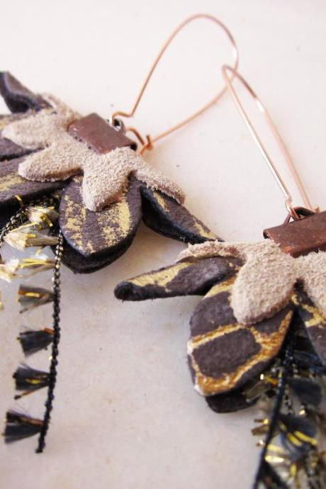Leather earrings in beige, grey and golden tones