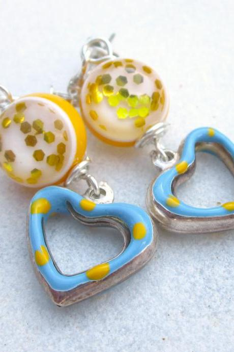 Vintage confetti beads & enamel hearts earrings sterling silver yellow light blue
