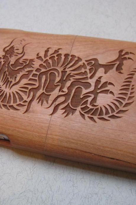 Samsung Galaxy S3 case - wooden cases walnut / cherry or bamboo - Dragon