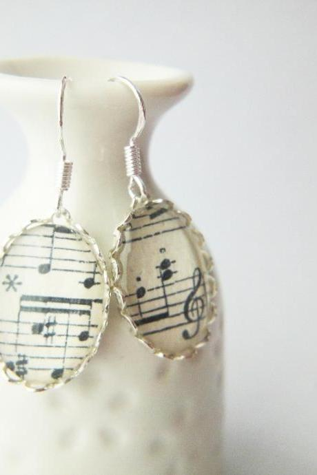 Silver Lace Oval Glass Earrings Vintage Melody Music Sheet Notes