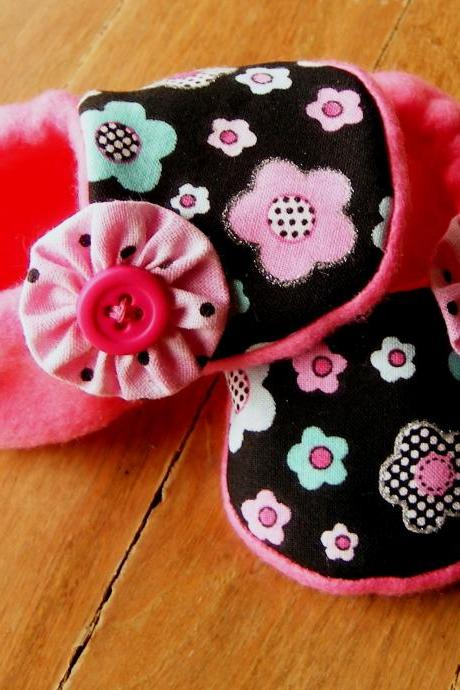 Toddler Size - Dotty Pink, Blue, Black Flowers Fleece Baby Booties with Non-Slip Soles