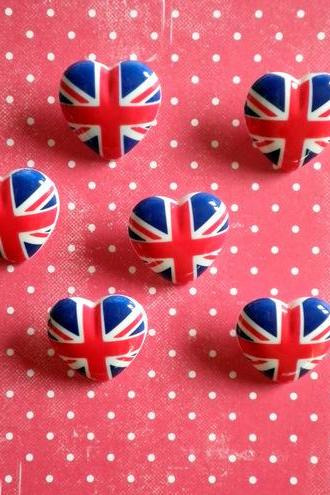 6x Union Jack Love Heart Buttons