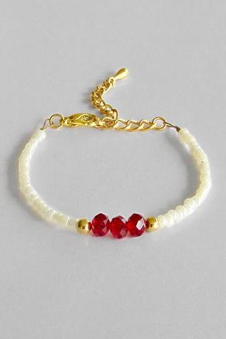 Beaded Bracelet - Friendship Bracelet - Red and White - Minimal Delicate Jewelry - Layering bracelet