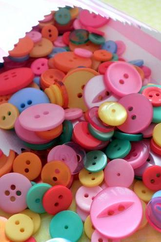500g WHOLESALE Bag of Rainbow Bright Buttons