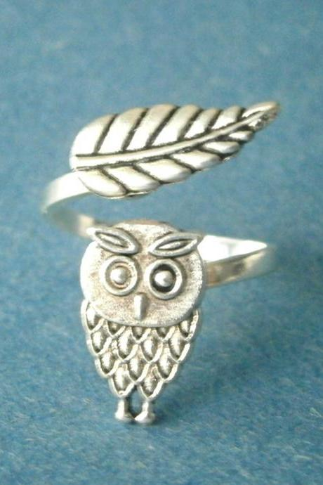 owl ring with a leaf wrap style, adjustable ring, animal ring