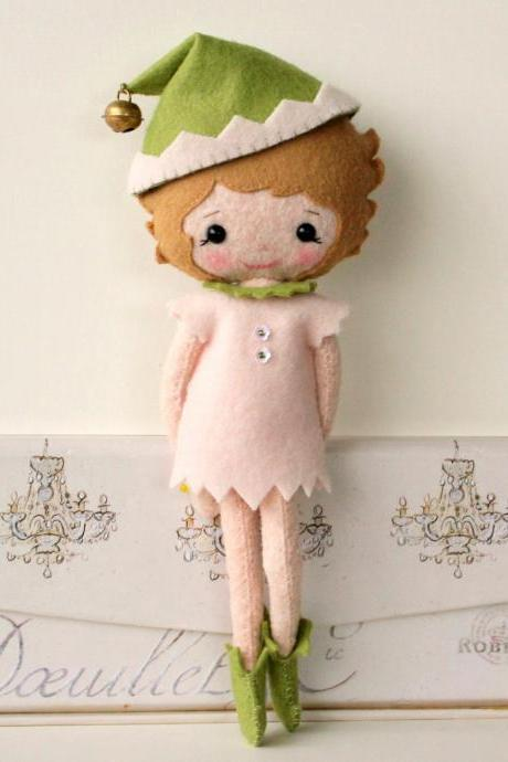 Evie the Elf pdf Pattern