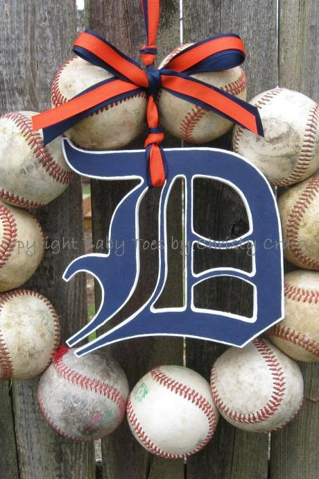 Detroit Tigers Baseball Love Wreath with wooden Old English Style D
