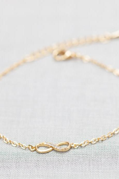 Tiny Infinity Bracelet in gold