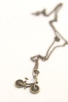 Vintage Style Bicycle Charm Pendant Necklace Perfect for Bridesmaid Gifts