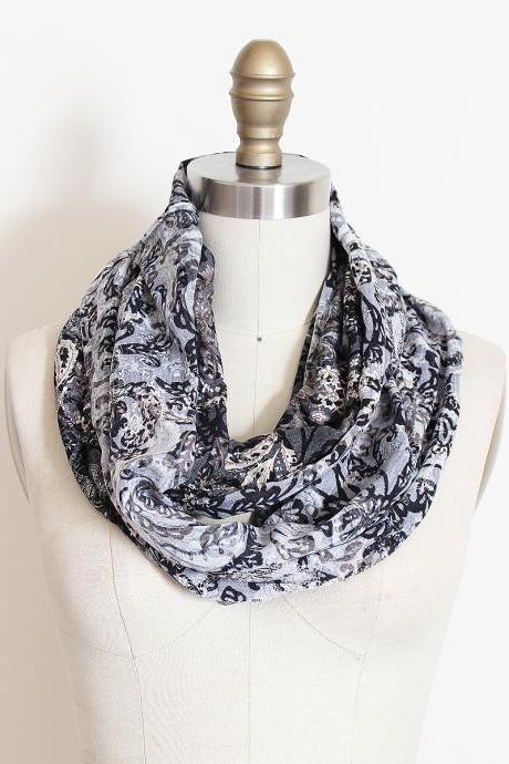 Infinity Scarf in Reversible Paisley Grey and White Loop Circle