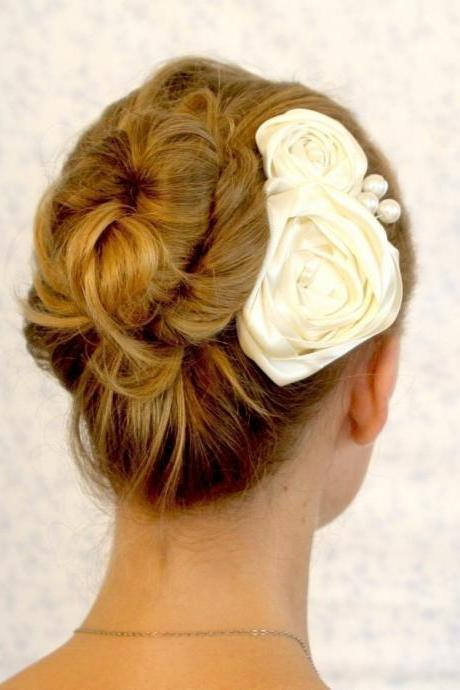 BOGO SALE- bridal hair piece -Romantic day ivory bridal headpiece with flowers and pearls