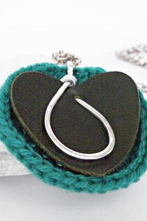 Long Pendant Necklace Dark Green Leather. Oval Hammered Aluminum Emerald Green Crochet Woollen Disc Handmade.