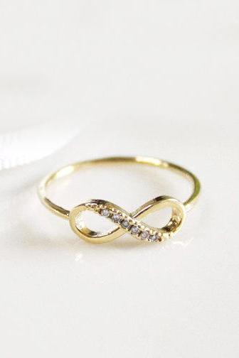 Dainty infinity ring 8.5 size in gold