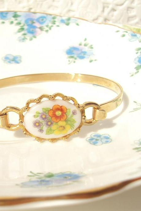 Buttercup - Vintage Flower Bouquet Bracelet Gold