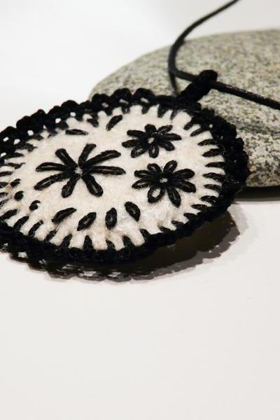 Embroidery Felt Crocheted Necklace pendant Wool jewelry