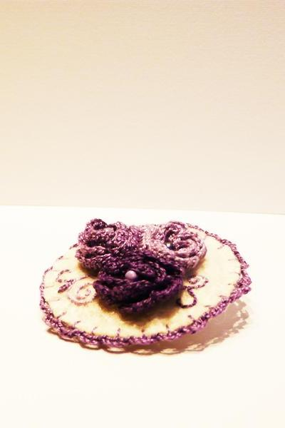 Felt crocheted brooch Purple roses wool brooch