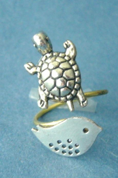 Silver turtle ring with a bird, wrap ring, adjustable ring, animal ring