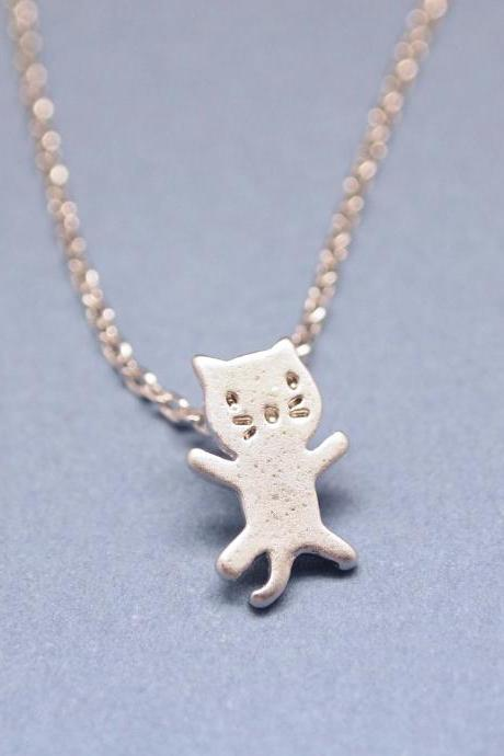 Tiny kitty cat pendant necklace in silver)