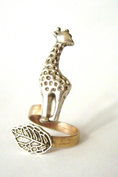 giraffe ring with a leaf wrap ring, adjustable ring, anaimal ring