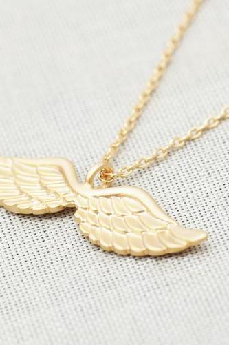 Angel wing necklace in gold