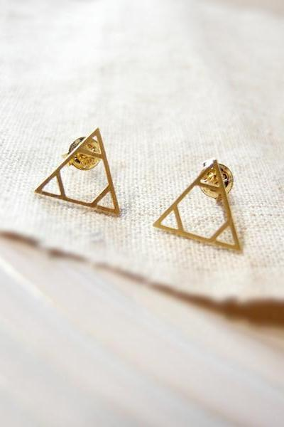 Three triangles earring in gold