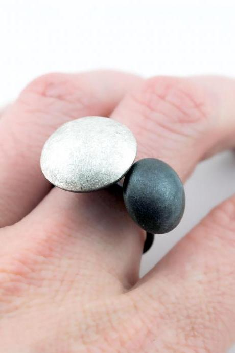 Oxidized - Texturized Sterling Silver Ring. Black and White. DOTS II Ring. Handmade by Maria Goti Joyas