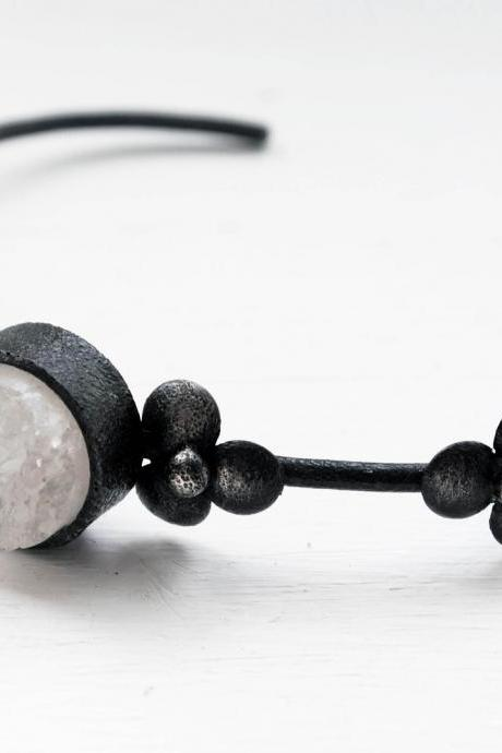 Oxidized Sterling Silver Bangle. White Druzy Quartz. Black. Oval Shaped. Metal Naïf Druzy Bangle. Handmade by Maria Goti Joyas.