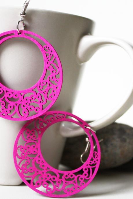 Orchid Pink Classic Cricle of Love Filigree Cut Wood Earring ( SOooooo much classic)