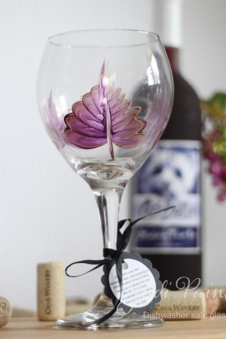 Purple leaf with gold trim painted wine glass - Dishwasher safe