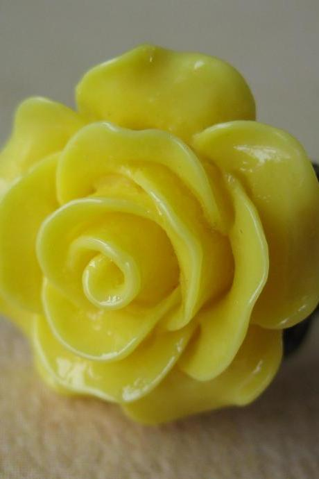Sunshine Yellow Rose on Antique Brass Filigree Ring - Adjustable - Jewelry by FIVE