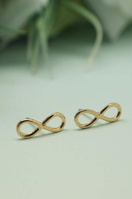 Infinity Stud earrings in gold