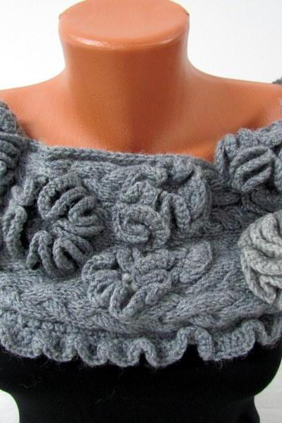 Cape, scarf gray, light gray, decorated with knitted flowers, fastened with four hidden buttons. women