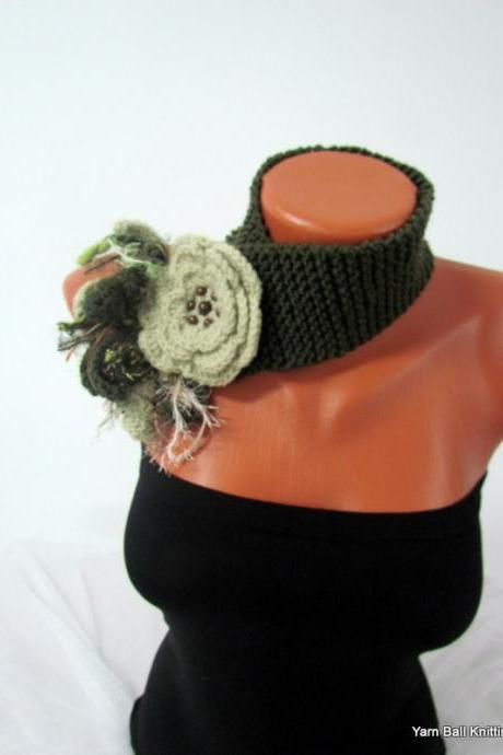 Knitted scarf around your neck with removable flower brooch neutral colors in dark olive green & pale green