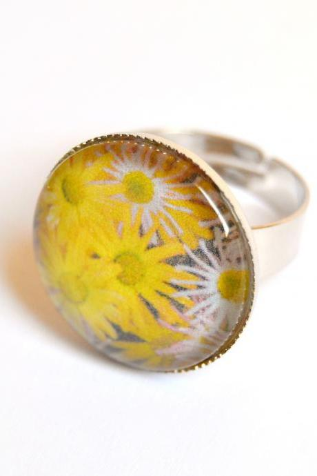 Yellow flowers adjustable ring with glass cabochon