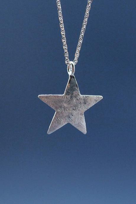 Brushed Chunky Star Necklace in Silver