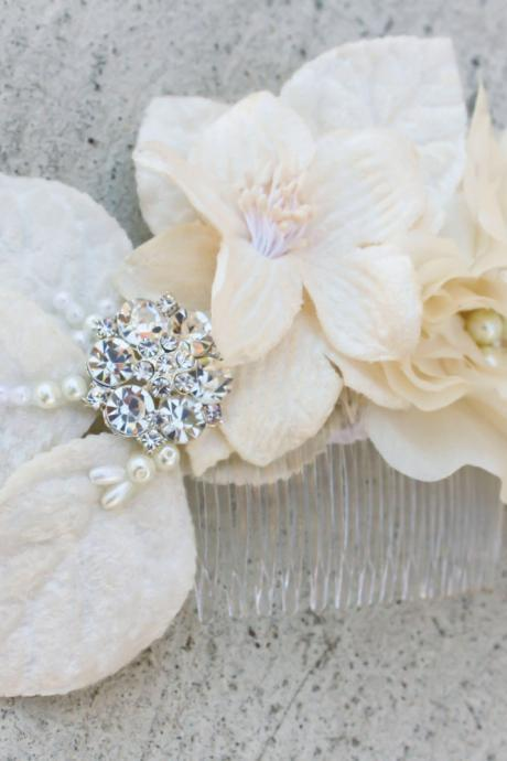 bridal comb with velvet flowers and rhinestone