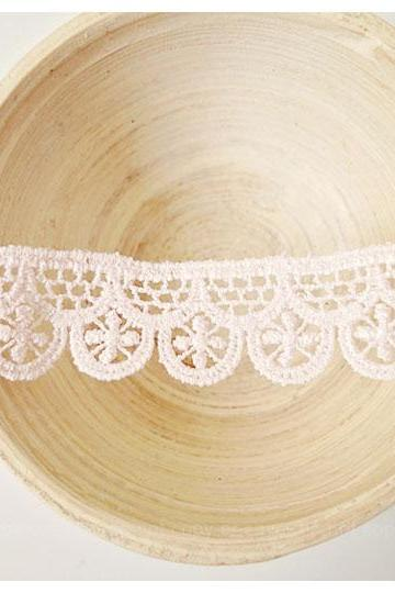 Double Scallop light pink lace
