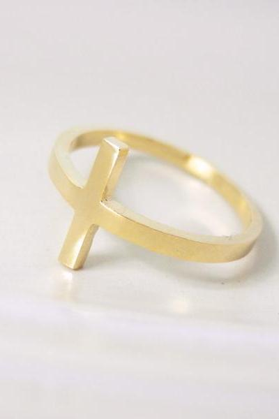 Sideways cross ring 7 size in gold , everyday jewelry, delicate minimal jewelry