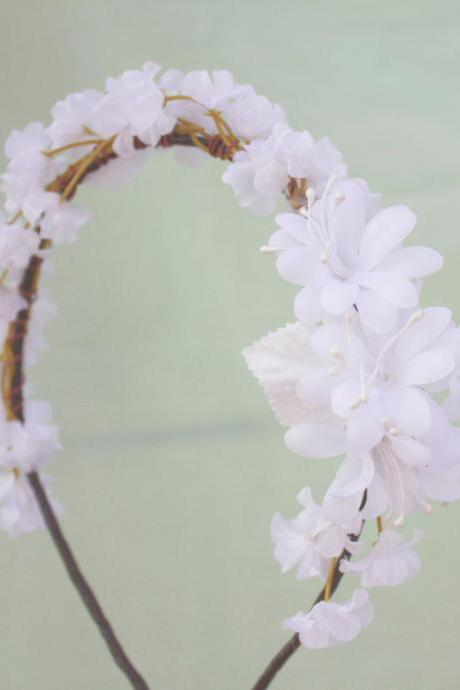 white blossom flower crown, bridesmaid headpiece, floral head piece