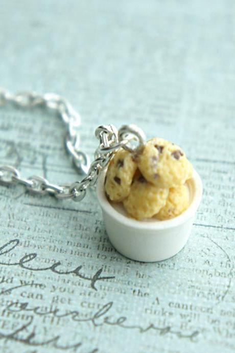chocolate chip cookies necklace